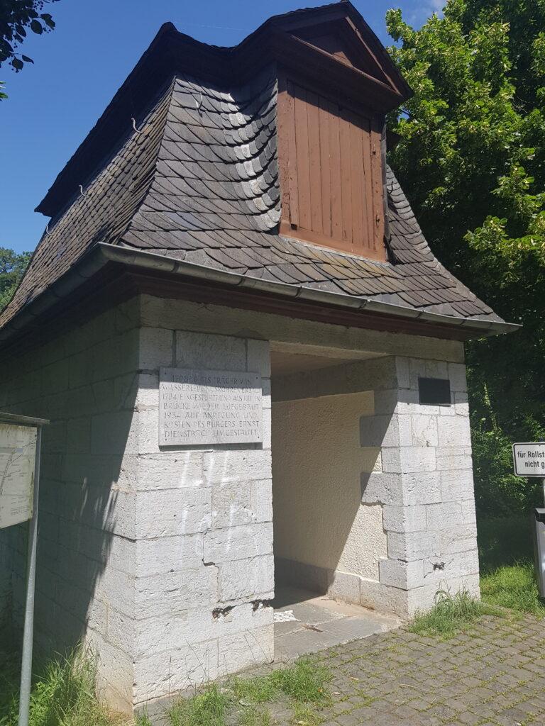 Hauseley Felsen Brückenkopf Lahn